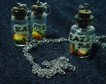 "Alice in Wonderland ""Eat Me"" necklace and earrings set"