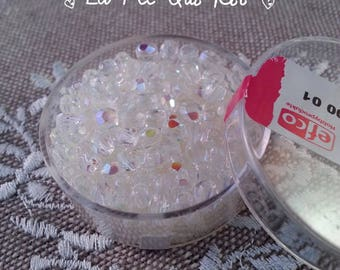 Glass beads in faceted diamond in a box of 100 pieces