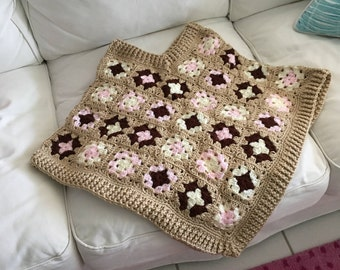 Girl's crocheted poncho
