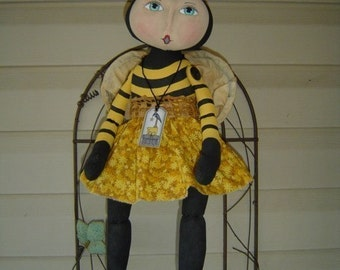 Primitive Folk art, Doll, Pattern Bumble Bee, animal dolls, folk art epattern, pdf, easter doll, sewing home decor, fabric doll, home decor