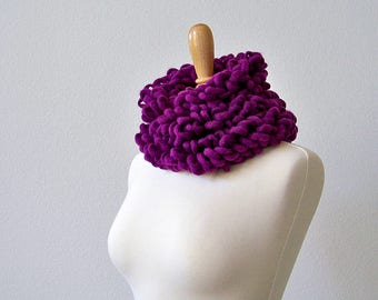 Crochet Scarf, Chunky Crochet Scarf, Loop Scarf, Chunky Scarf, Magenta Scarf, Long Scarf, Purple Scarf, Crochet Chunky Scarf, Womens Scarves