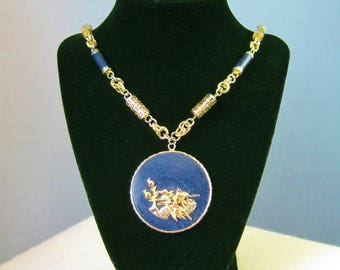 Lapis Lazuli Medallion Pendant Necklace / Vtg / Chinoiserie Blue and Gold High Relief Lapis Pendant