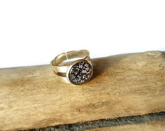 Cabochon flower ring