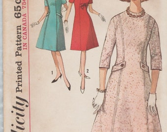 Simplicity 5096 / Vintage 60s Sewing Pattern / Dress / Size 14 Bust 34