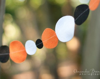 SALE As Seen in Taste of Home Halloween Felt Garland in Orange, Black and White Eco Friendly Felt