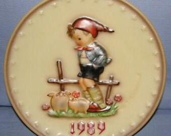 Hummel Annual Plate - 1989 - Farm Boy - SKU 1273