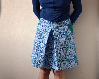 Skirt with pockets blue and green patterned