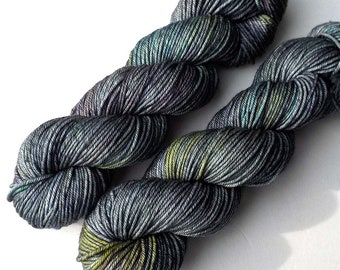 Hand Dyed Yarn Ultrafine 17 Micron Merino Worsted Yarn, Abalone 210 yards