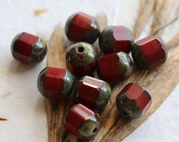 CRANBERRY BLITZ .. 10 Picasso Czech Cathedral Beads 8x7mm (4861-10)