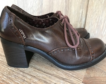 90's chocolate leather oxfords, Mudd Brown 70's style lace up shoes chunky heel, hippie faux leather shoes