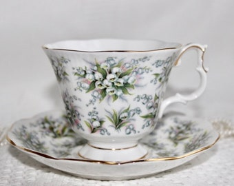 Royal Albert Bone China Tea Cup and Saucer, Nell Gwynne Series, Lambeth, Lily of the Valley with Gold Trim