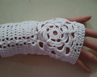 Fingerless gloves with flower for women crochet