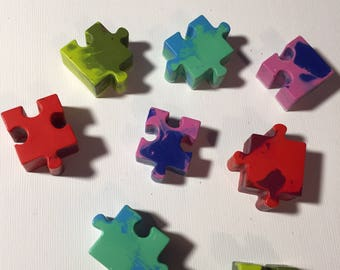 Set of 20 puzzle piece shaped crayons