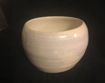 Cloudy Light Purple Swirled Vase