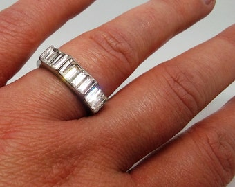Vintage silver tone clear crystal ring size 7/O