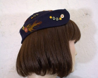 """1940's """"Blum's-Vogue"""" Navy Blue Wool Felt Hat with Delicate Embroidered Flower Appliques and Feathers"""