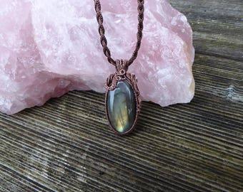 Boho green Labradorite pendant - Heady wire wrap - Wire wrapped pendant - Labradorite amulet - Copper Wire Wrap pendant Wire wrapped jewelry