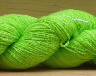 Sock (4ply), hand-dyed yarn, 100g - Lime