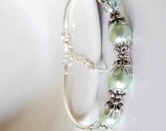 Mint Bridesmaid Jewelry, Mint Pearl Bracelet, Pastel Green Wedding Jewelry, Pale Green Beaded Bracelet, Matching Jewelry Sets, Mint Jewelry