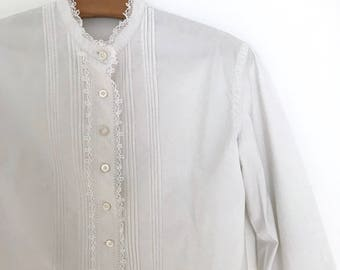 Vintage white edwardian blouse / french button down top / lace details / mock neck / rustic pleated shirt / long sleeve / xs / s / 1910s