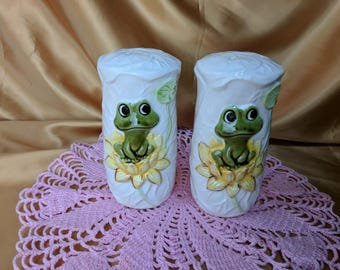 SEARS ROEBUCK Neil the Frog Salt & Pepper Shakers 1977 Vintage *eb