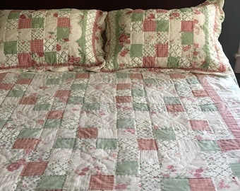 VINTAGE QUILTED BEDSPREAD, Hand-Quilted Bedspread, Double Quilted Bedspread, Full Quilted Bedspread, Queen Quilted Bedspread, Patchwork