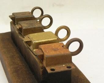 4 vintage Pull bague Spring Verrou serrure armoire fenêtre charge réutiliser Steampunk Assemblage artisanat d'approvisionnement