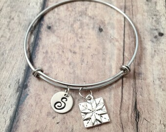 Quilt square initial bangle - quilt square jewelry, quilter bangle, gift for quilter, silver quilt pendant, quilt patch pendant, quilt gift