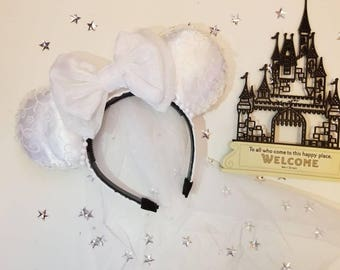 Bridal Mouse Ears with Viel