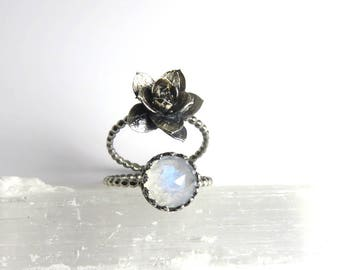 Succulent Ring, Birthstone ring, Statement Ring, Echeveria, Wedding jewelry, plant jewelry, succulent jewelry, plant love, plant rings, boho