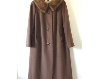 Vintage Rothmoor coat with fur collar