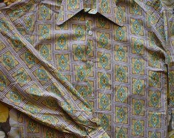 Vintage 1970s Groovy Button Down