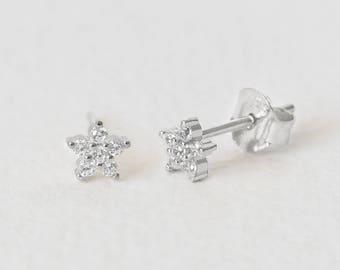 Stud Tiny Silver Earrings, Flower Earring, Sterling Silver Earrings Studs Daisy, Sterling Post Earring, Dainty Earring, Delicate Studs