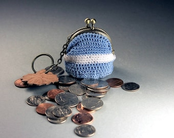Crochet Mini Coin Purse, Blue and White Coin Purse, Hand Tooled Leather Key Chain, Kiss Closure, Metal Goldtone Frame, Key Fob Purse Combo
