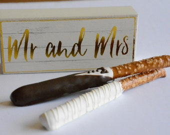Chocolate Covered Bride Pretzel (12), Chocolate Bride Groom Pretzel, Chocolate Wedding Favor, Chocolate Wedding Gift, Wedding Chocolates