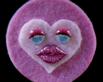 Two-Tone Pink Sweet Heart Brooch  (Funky Felt Flowers)