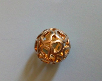 Golden ball to make necklaces