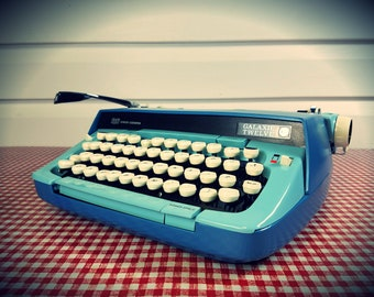 Refurbished 1960s Smith Corona Galaxy 12 WIDE margin Typewriter, w/ Case and new ribbon