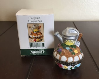 Gardener Porcelain Hinged Box