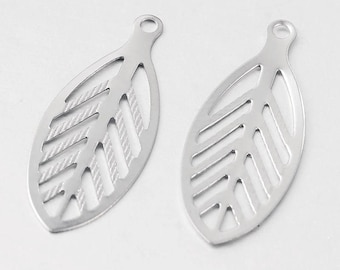100 Pieces 23mm Stainless Steel Filigree Leaf Pendant