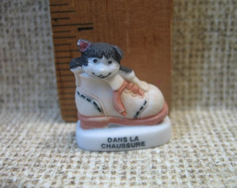Kitten in a Shoe  Cat Kitty - French Feve Feves Figurines Miniature