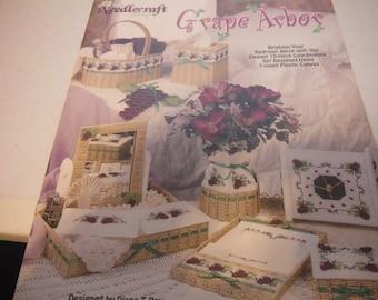 Plastic Canvas - Grape Arbor 983065