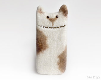 White Cat case for  Samsung Galaxy  S8,  Samsung Galaxy S8+,  felted cat, felt case, unique Cat lover gift