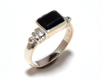 Black onyx 92.5 sterling silver ring size 7.5
