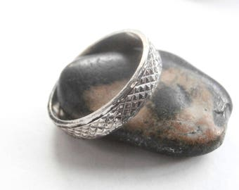 Textured Silver Ring - Vintage Jewellery - Patterned Ring - Silver Band Ring