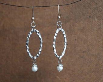 Oval dangle earrings