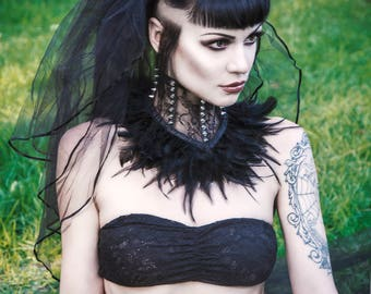 Black lace feather (length of feathers 8-10cm) gothic punk neck corset decorated with spikes
