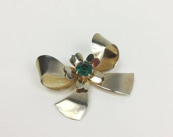 Gold Bow Brooch with Emerald Green Center - Large Gold Plated Bow with Flower and Faceted Plastic Rhinestone - Vintage 40s Statement Brooch