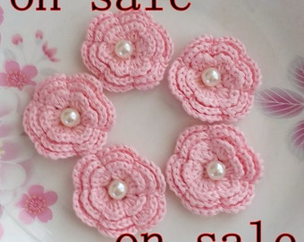On Sale - 6 Crochet Flowers With Pearls  YH-258-02