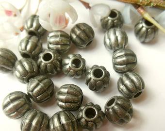 set of 20 plastic beads